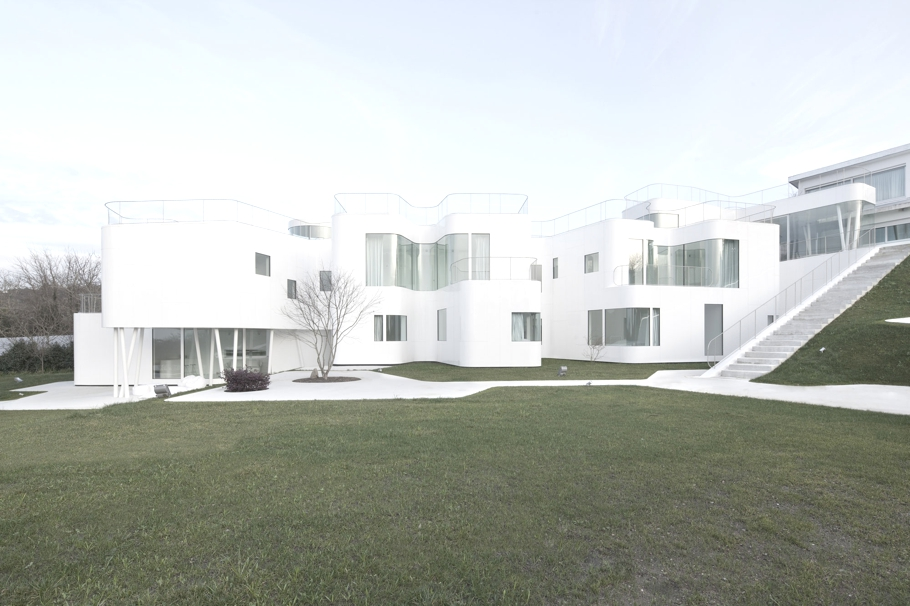 Minimalist-House-Design-Spain-Adelto-05