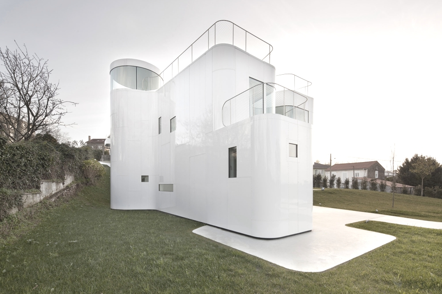 Minimalist-House-Design-Spain-Adelto-06