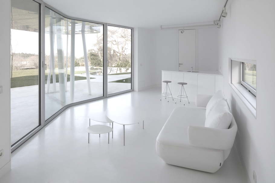 Minimalist-House-Design-Spain-Adelto-07