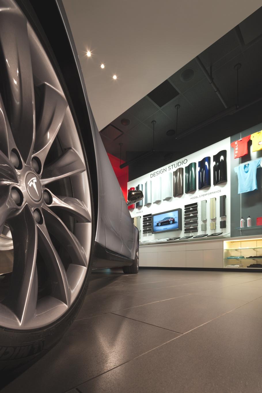 Tesla-Car-Showroom-Design-Los-Angeles-Adelto-00