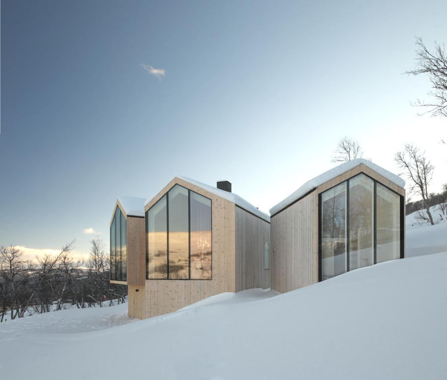 Contemporary-Holiday-Homes-Norway-Adelto-00