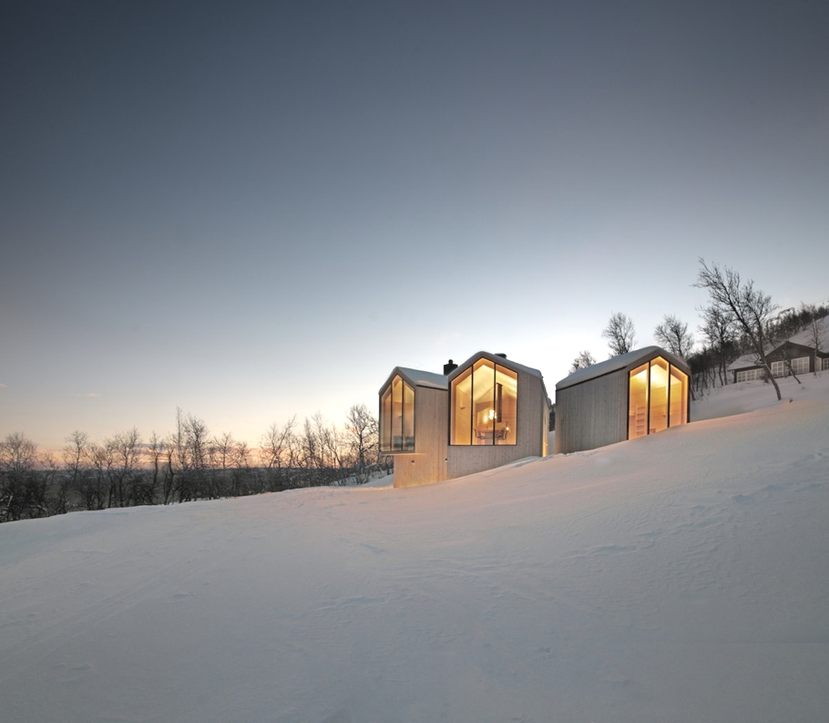 Contemporary-Holiday-Homes-Norway-Adelto-01