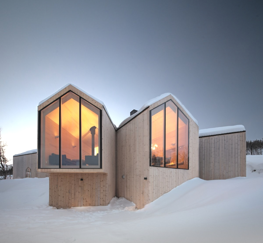 Contemporary-Holiday-Homes-Norway-Adelto-04