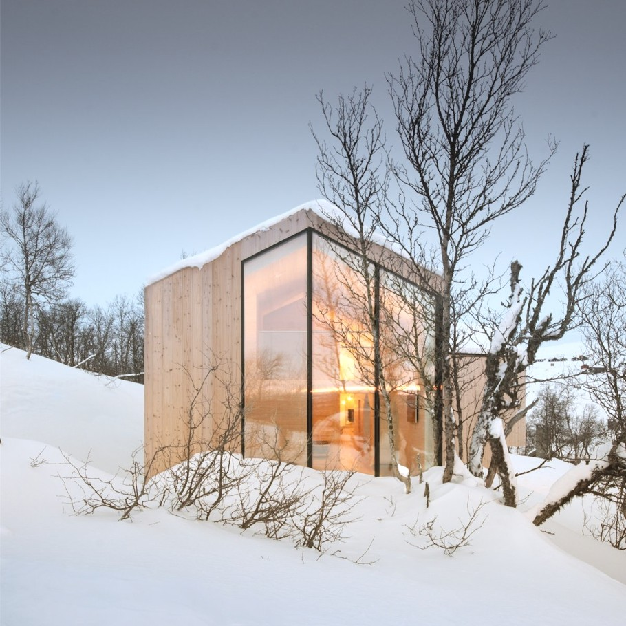Contemporary-Holiday-Homes-Norway-Adelto-05