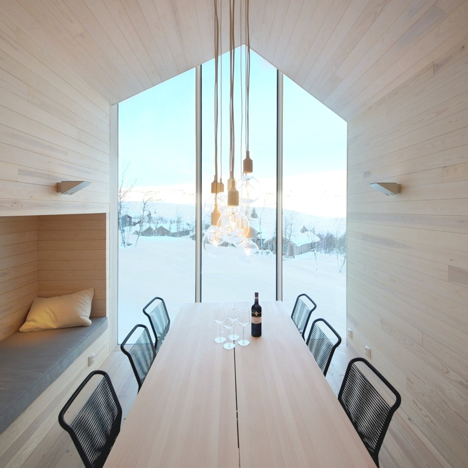 Contemporary-Holiday-Homes-Norway-Adelto-10
