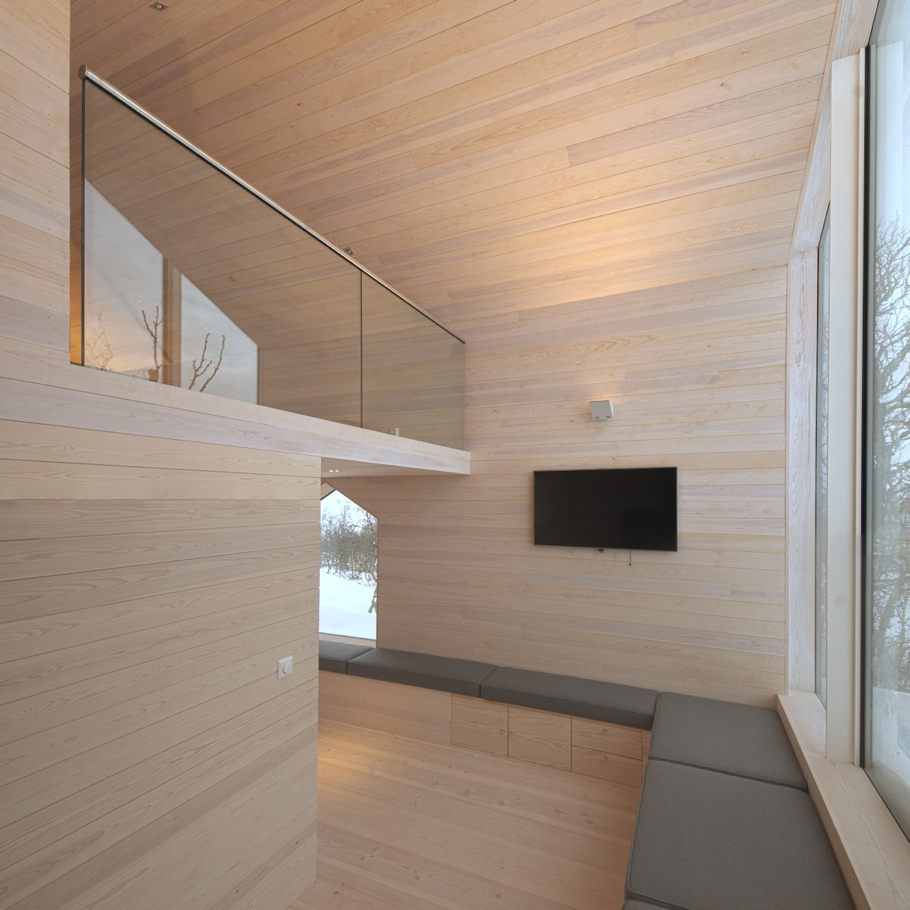 Contemporary-Holiday-Homes-Norway-Adelto-15