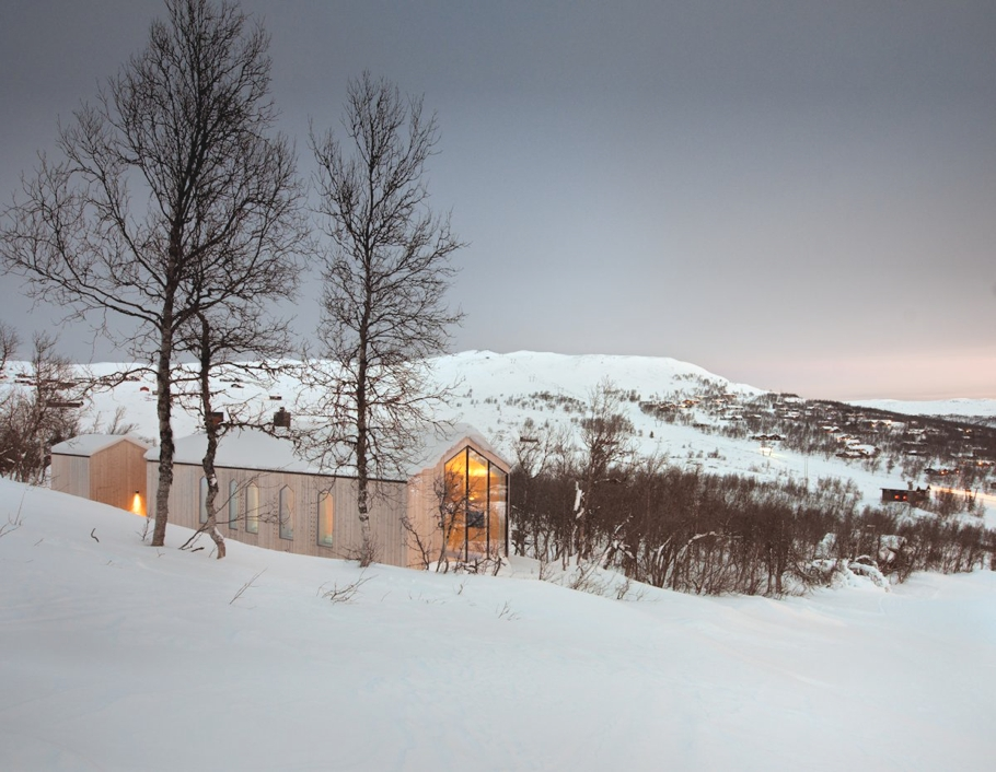 Contemporary-Holiday-Homes-Norway-Adelto-17