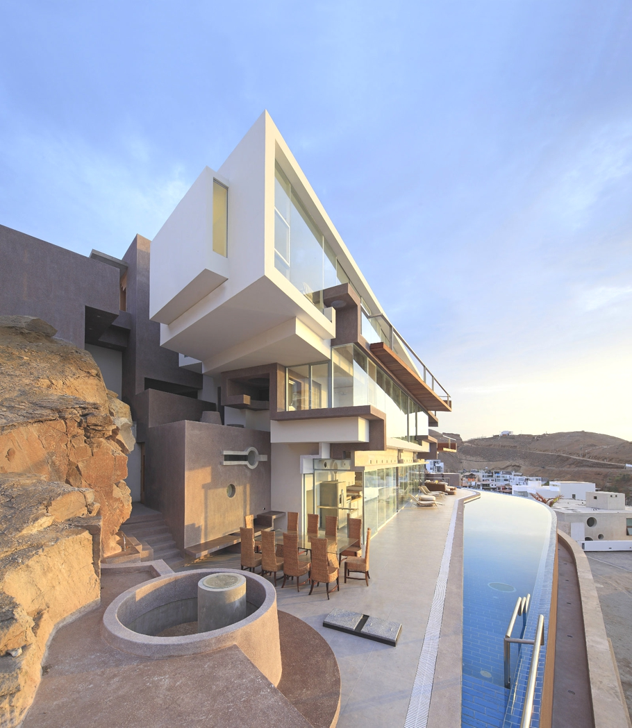 Contemporary-Homes-Lima-Peru-Adelto-02