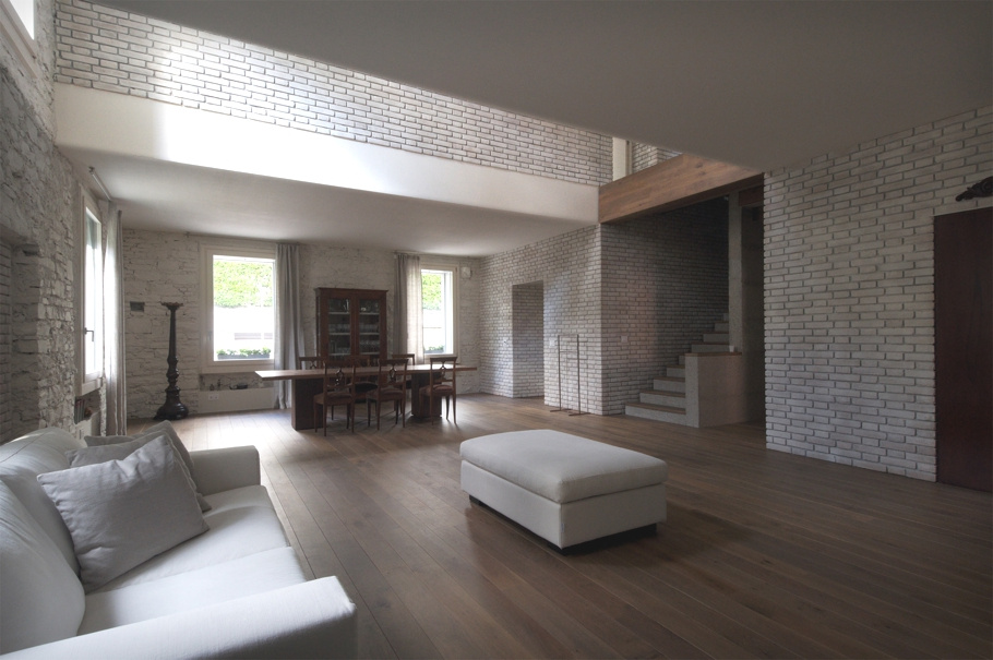 Contemporary-Italian-Villa-Design-Adelto-03