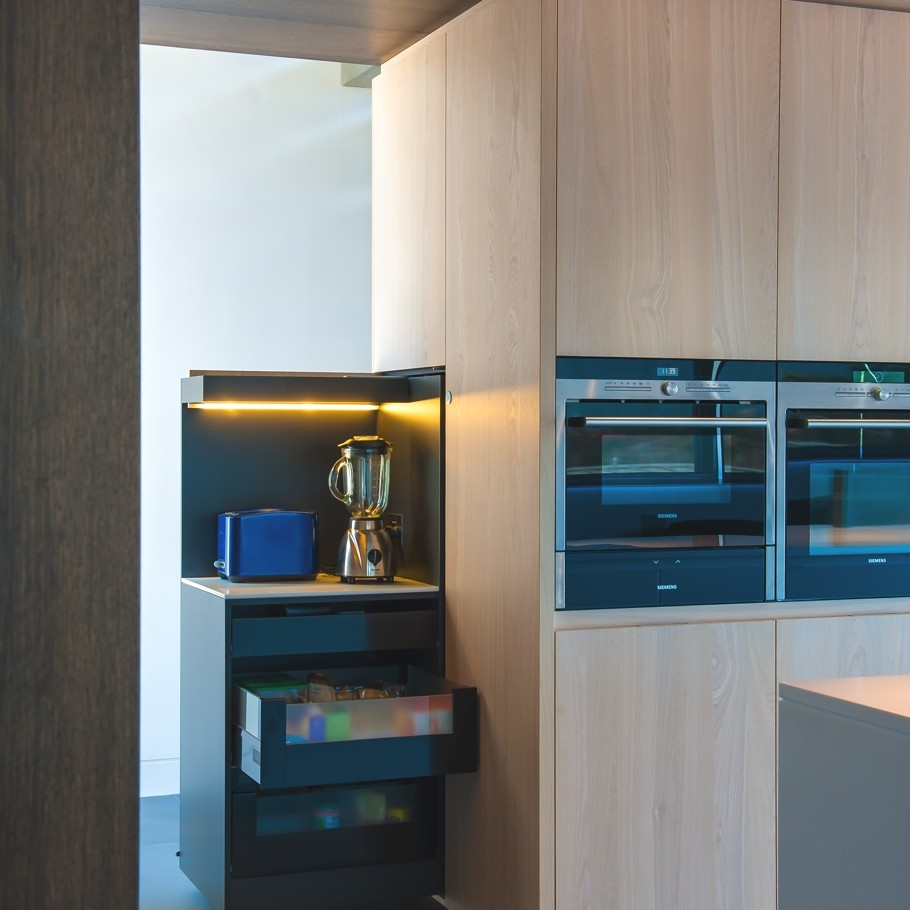 Contemporary-Kitchen-Design-Ideas-Adelto-08