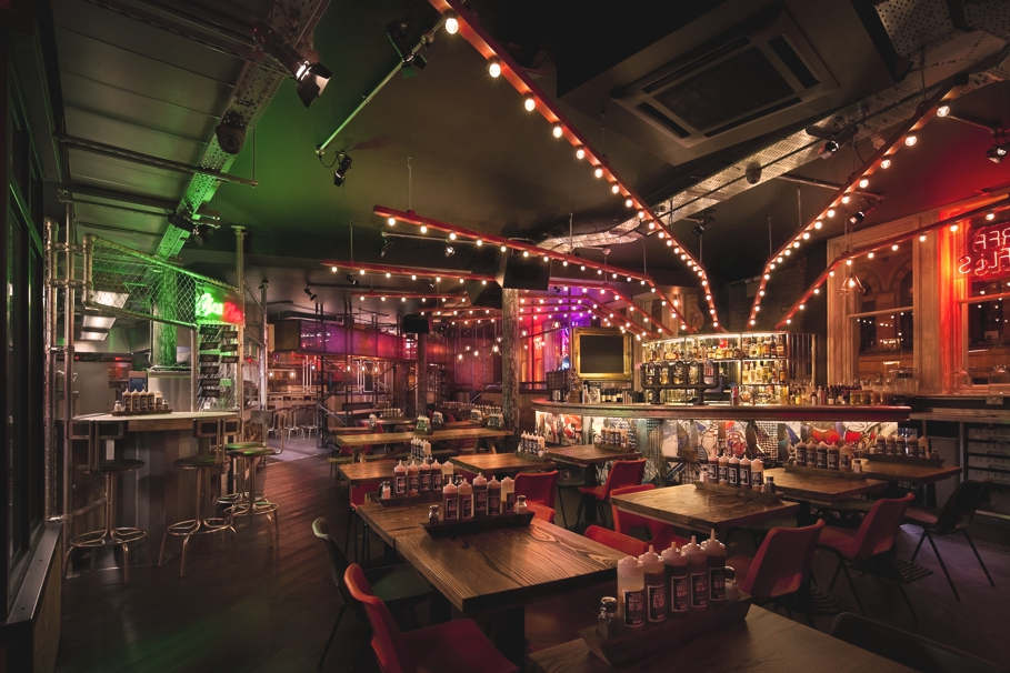 Contemporary-restaurant-design-Manchester-Adelto-01