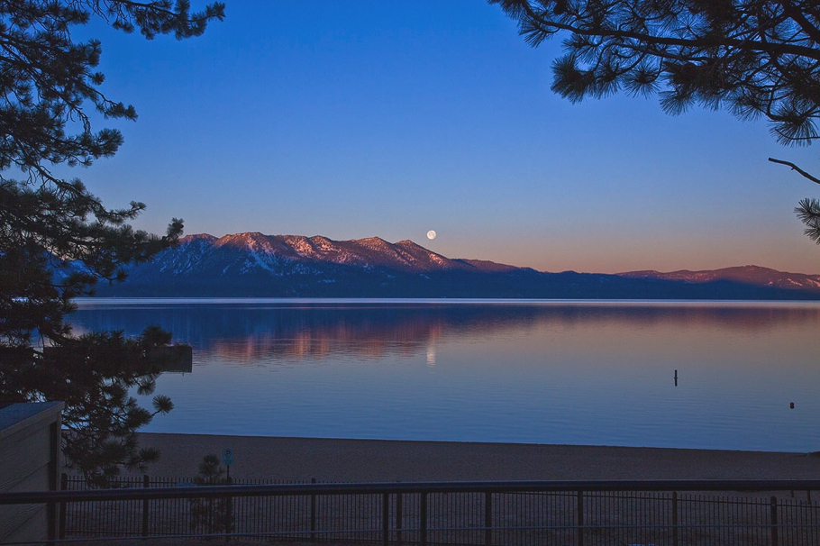 Hotels-in-Tahoe-South-California-Adelto-07