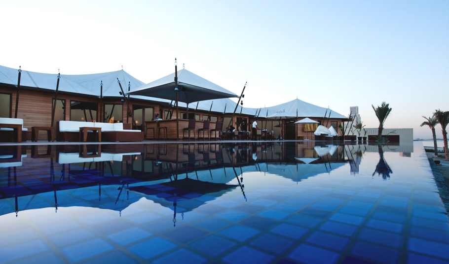 Luxury-Hotel-UAE-Banyan-Tree-Adelto-01