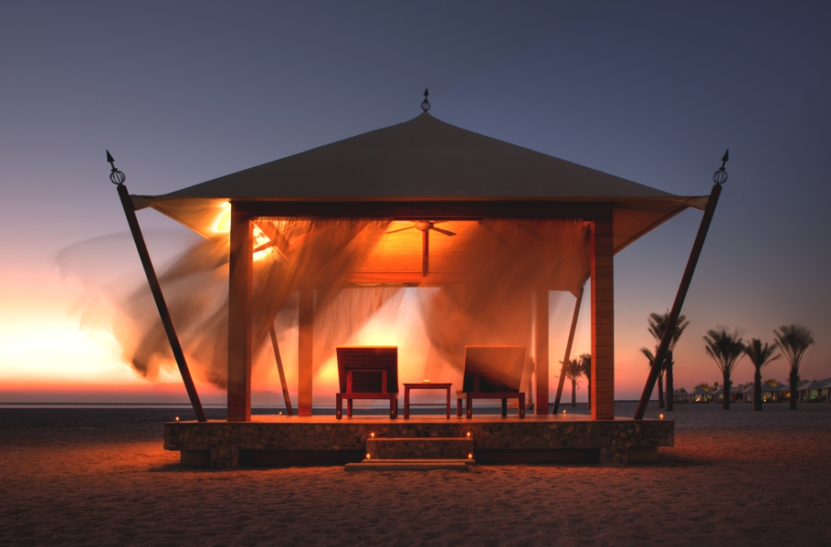Luxury-Hotel-UAE-Banyan-Tree-Adelto-05
