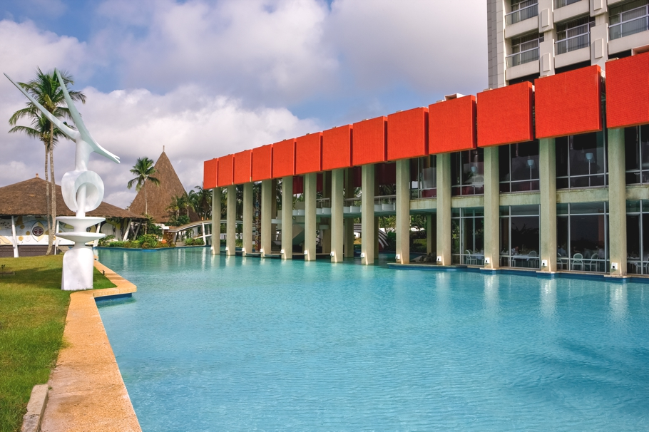 Sofitel abidjan h tel ivoire unveiled in west africa for Design hotel douala