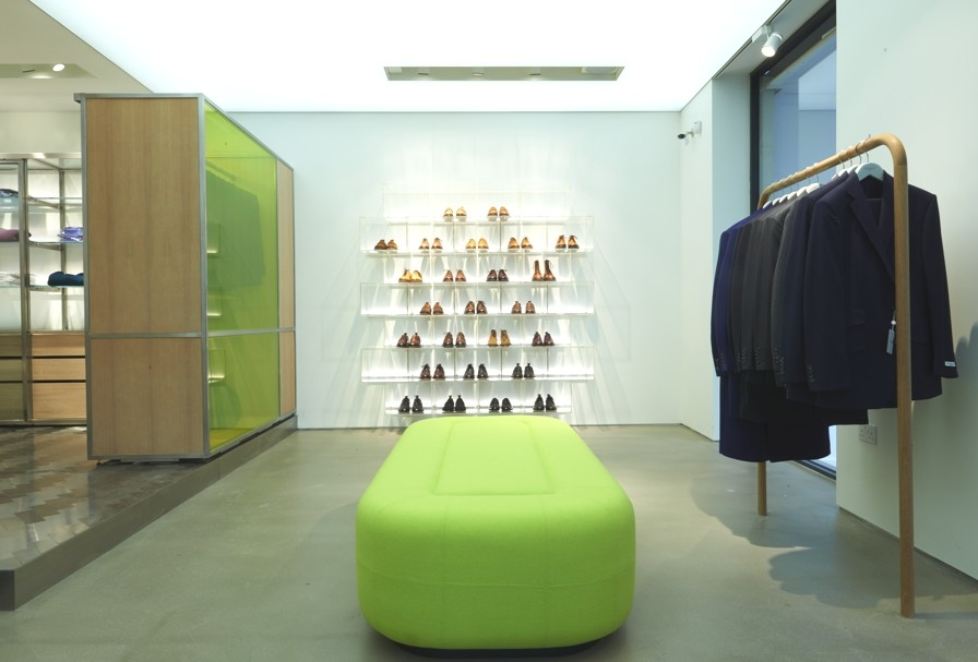 Retail-Store-Design-Richrad-James-London-Adelto-00