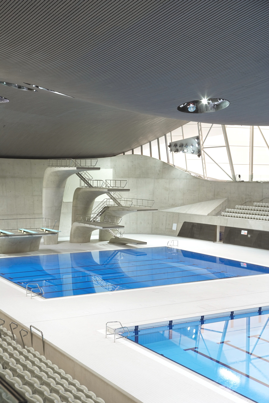 Zaha-Hadid-London-Aquatics-Centre-Adelto-04