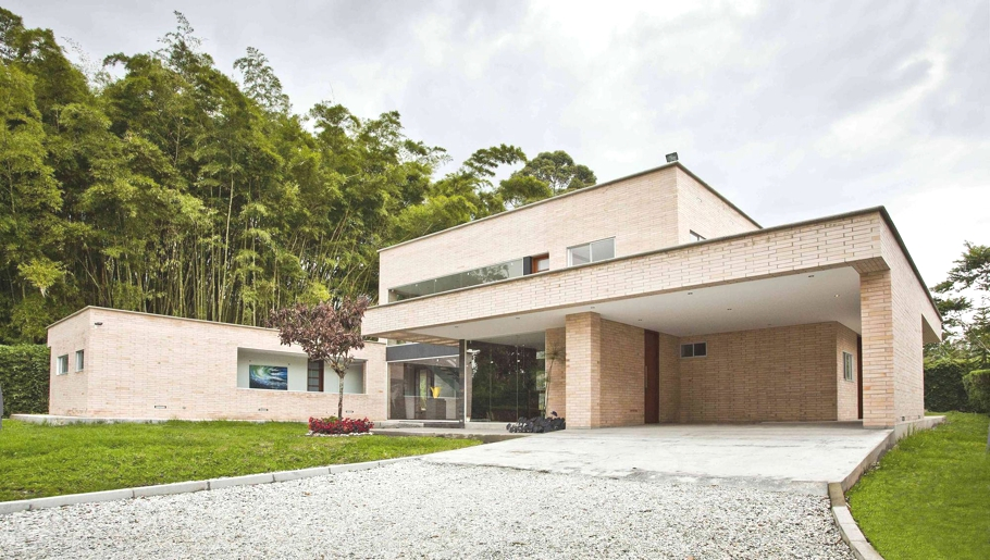 Contemporary-Homes-Colombia-Adelto-00