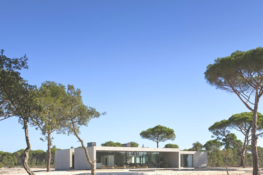 Contemporary-Homes-Portugal-Adelto-01