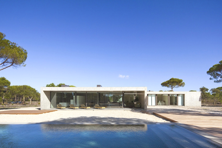 Contemporary Homes Portugal Adelto 02