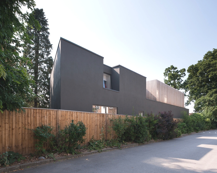 Contemporary-Homes-Surrey-England-Adelto-01