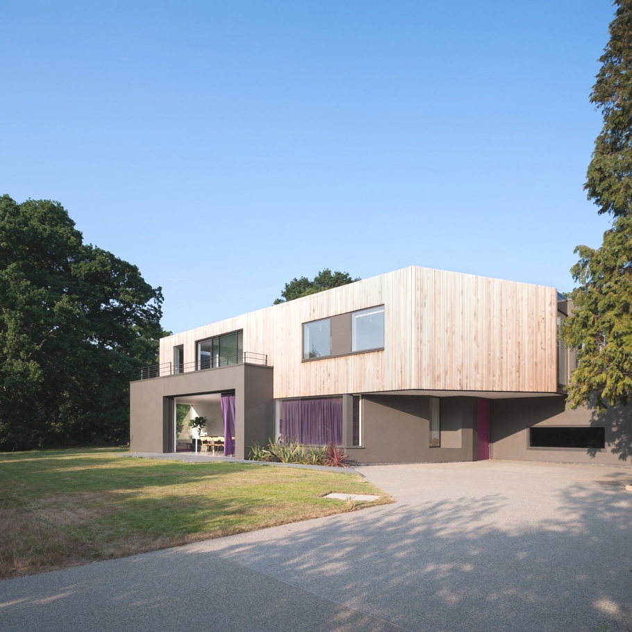 Contemporary-Homes-Surrey-England-Adelto-02