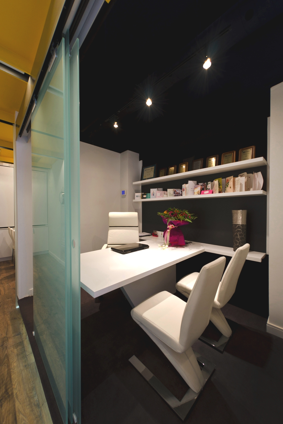 Contemporary-Office-Design-Ontario-Adelto-08