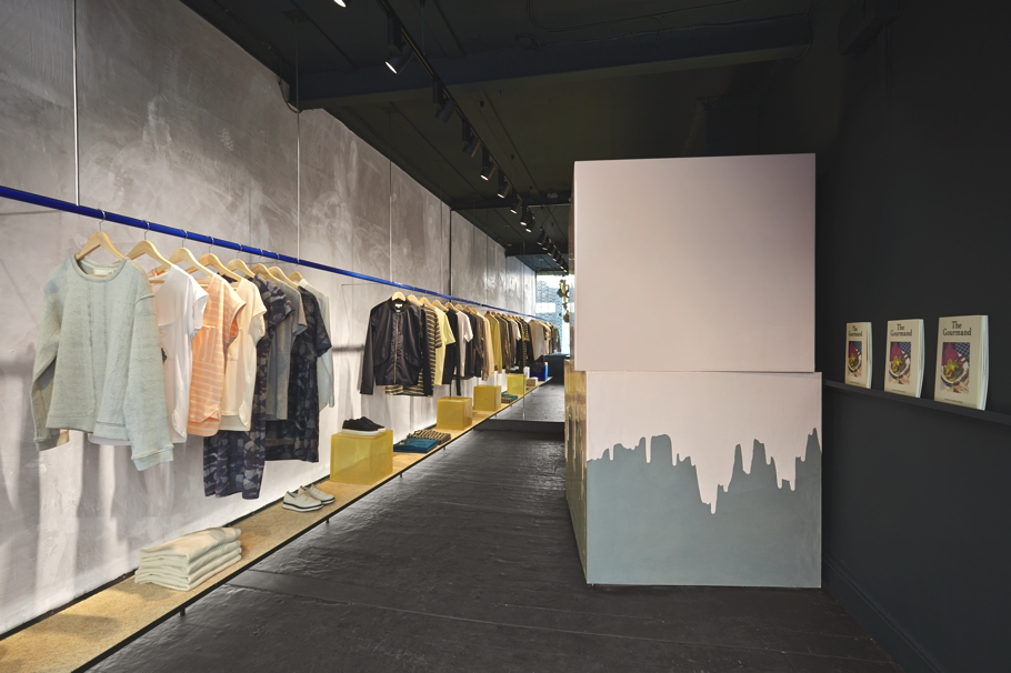 Fruit-Of-The-Loom-Pop-Up-Stores-Adelto-00