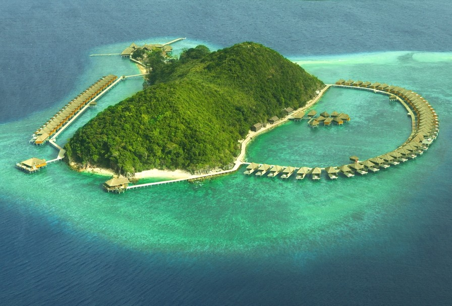 Luxury-Island-Resort-Philippines-Adelto_01