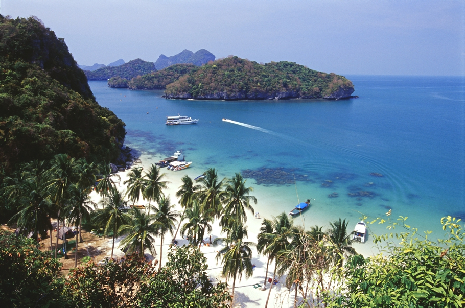 Luxury-yacht-charters-Thailand-Adelto_03