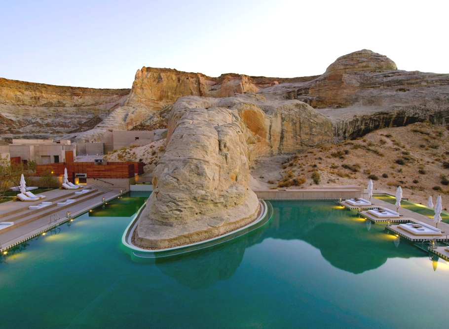 Best-Swimmimg-Pools-In-The-World-Adelto_02