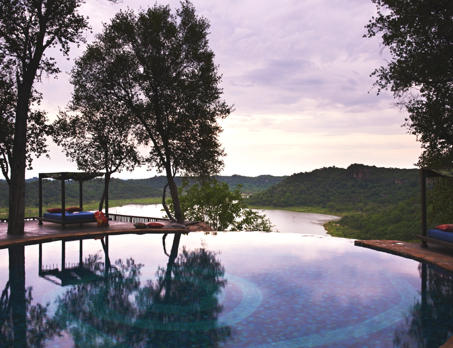 Best-Swimmimg-Pools-In-The-World-Adelto_12