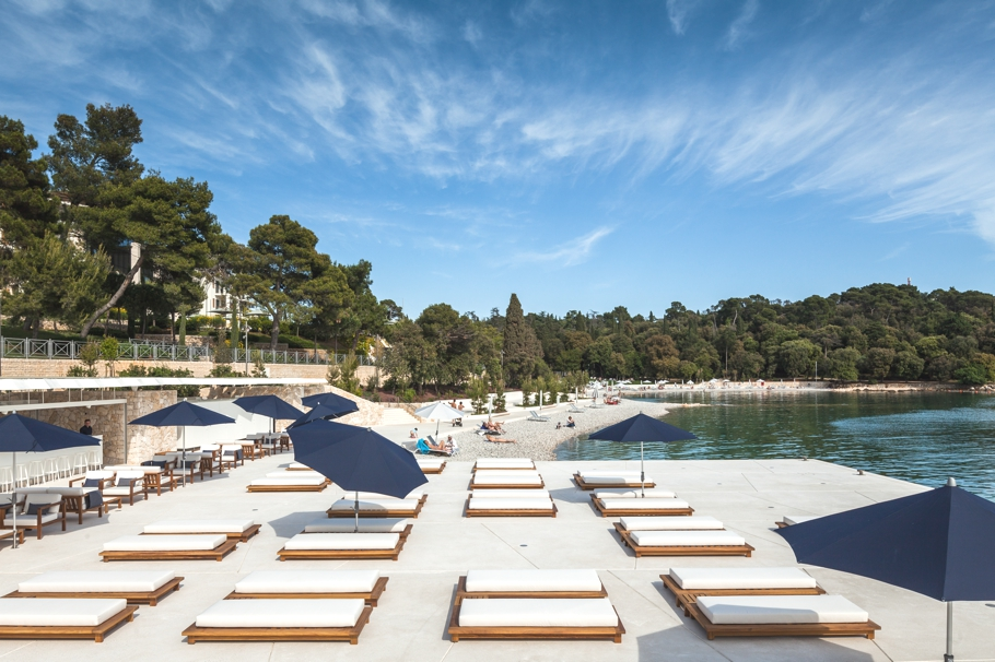 Luxury beach club opens this summer in rovinj croatia for Small luxury beach hotels
