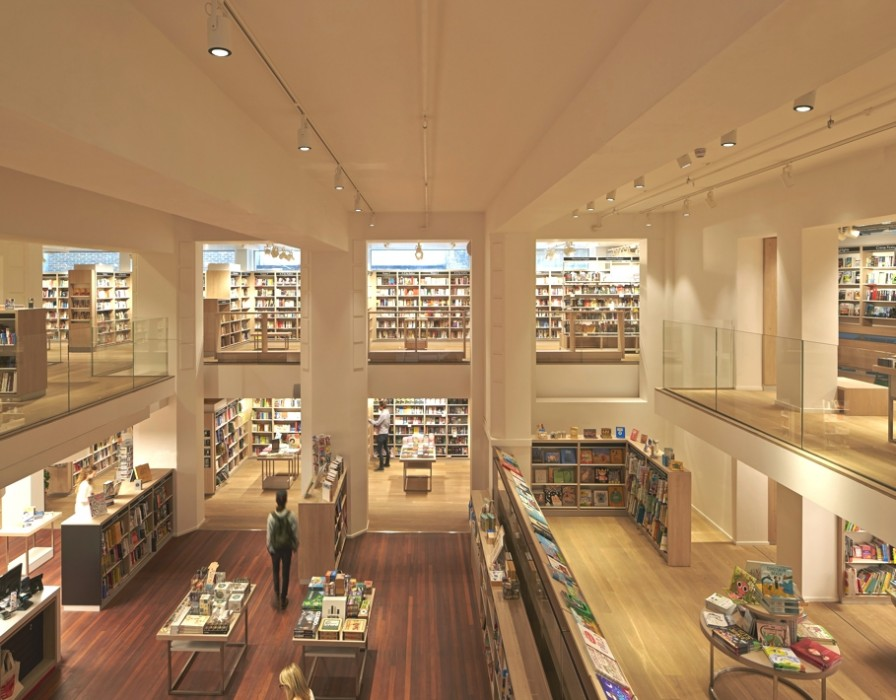 Foyles-bookstore-london-adelto_03