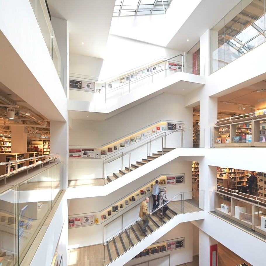 Foyles-bookstore-london-adelto_14