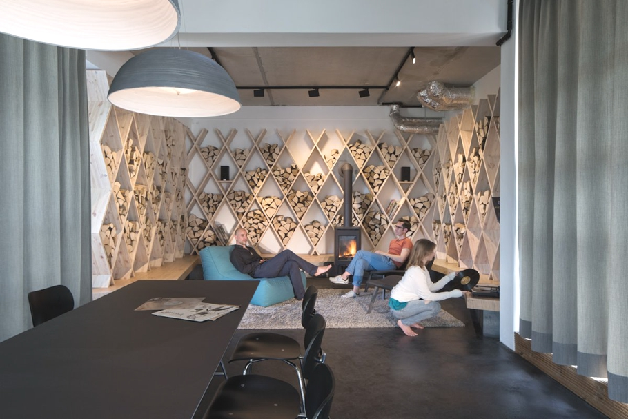 contemporary-office-design-soundcloud-berlin-germany-adelto_14