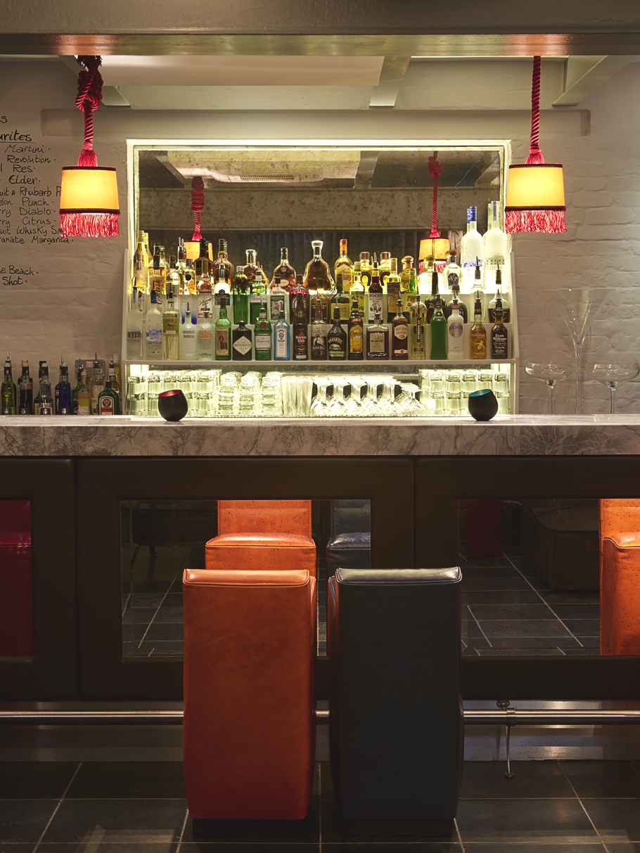 Luxury Bar Design London Kings Road Adelto_00