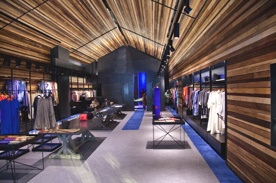 luxury-fashion-store-new-delhi-india-adelto_0004