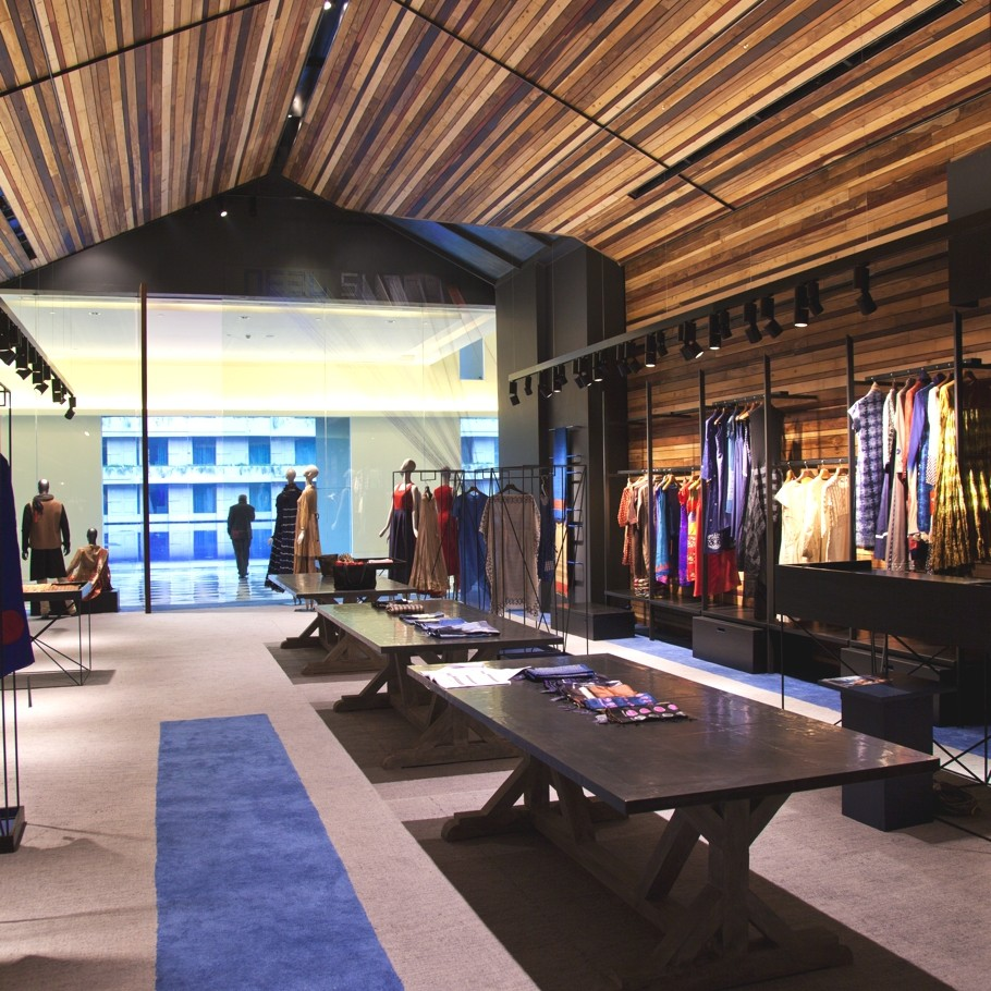 luxury-fashion-store-new-delhi-india-adelto_0006