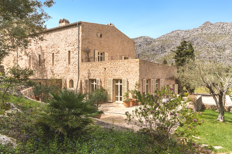 luxury-homes-mallorca-adelto_02