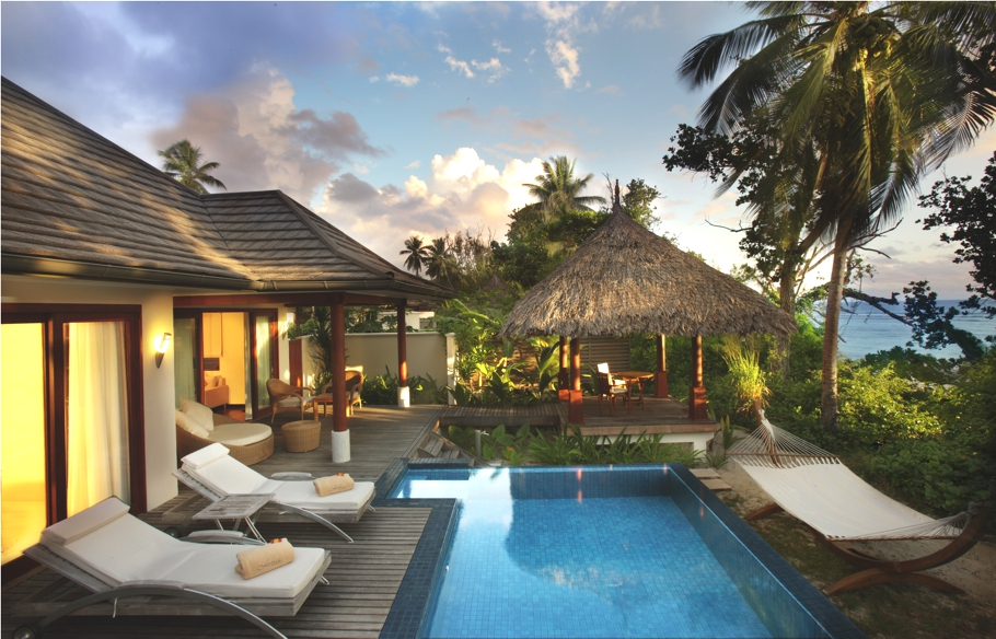 Luxury hotels in the seychelles adelto for Small luxury beach hotels