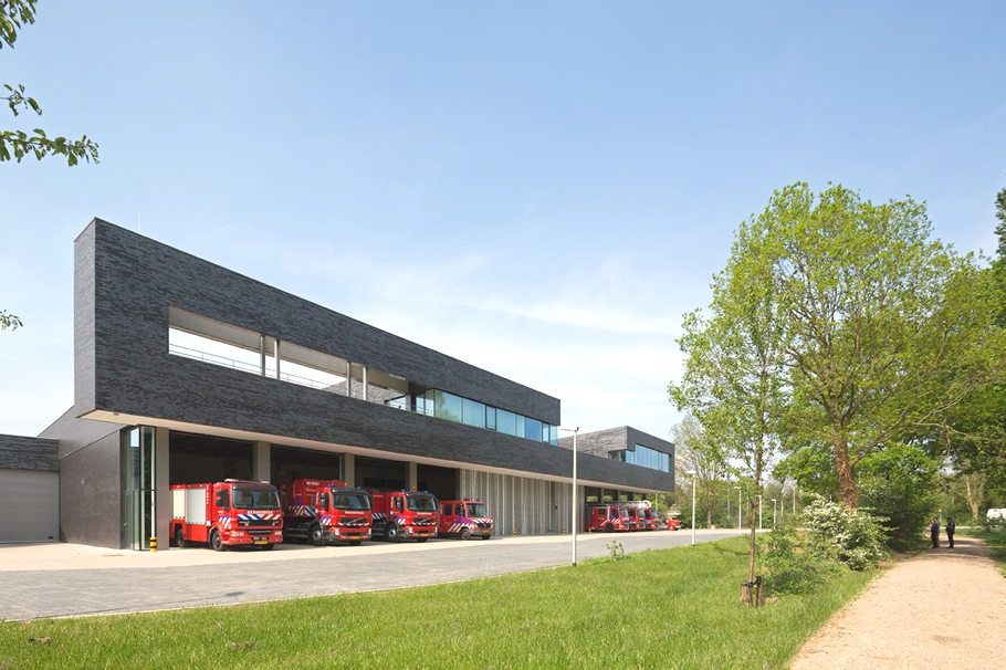 modern-fire-station-design-netherlands-adelto_05