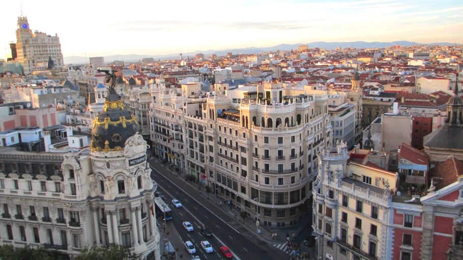 travel-inspiration-madrid-spain-adelto-03