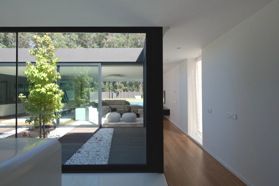 contemporary-property-design-belgium-adelto-02