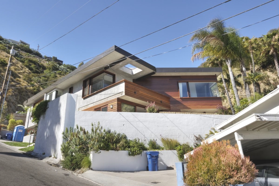 contemporary-west-hollywood-home-adelto-00