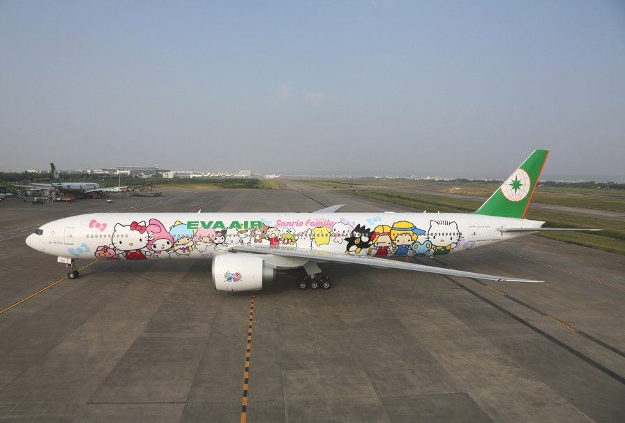 hello-kitty-eva-airline-heads-to-paris-adelto-02