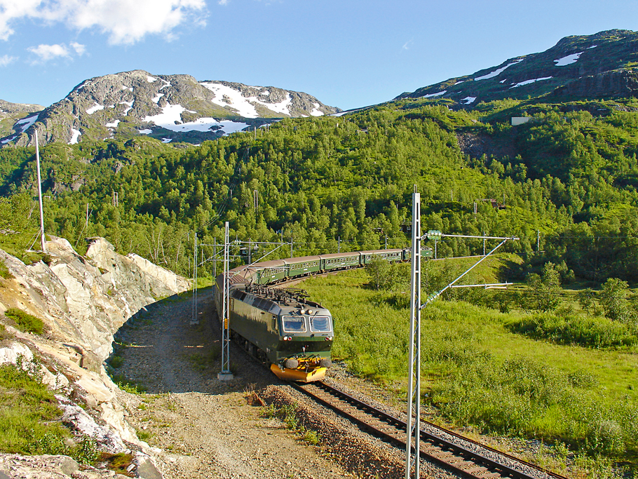 luxury-railway-journey-holidays-adelto-00