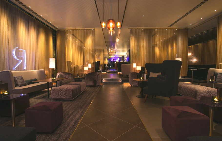 Luxury-bar-design-london-hilton-tower-bridge-adelto-04