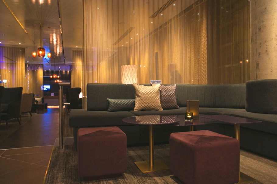 Luxury-bar-design-london-hilton-tower-bridge-adelto-06