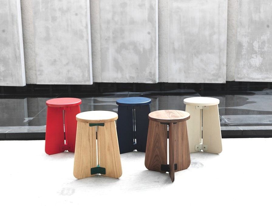 contemporary-stool-and lamp-design-adelto-02